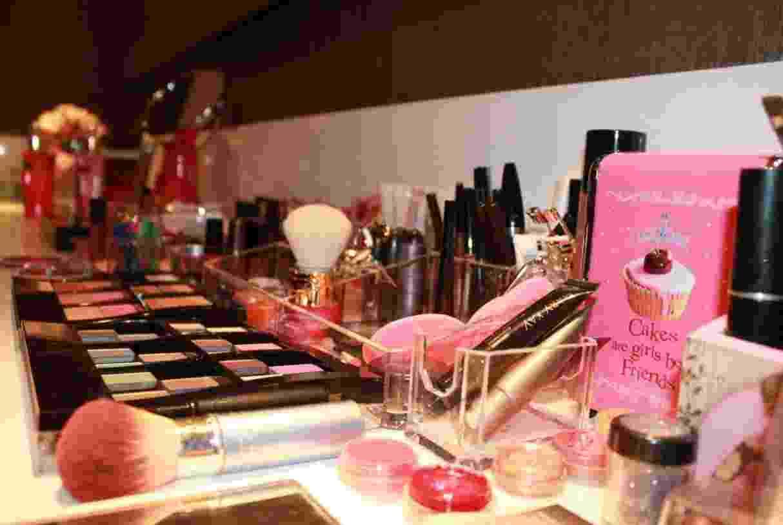 Pink Make-up Bar que oferece serviço de retoque de maquiagem durante 6 horas da festa de casamento - Divulgação