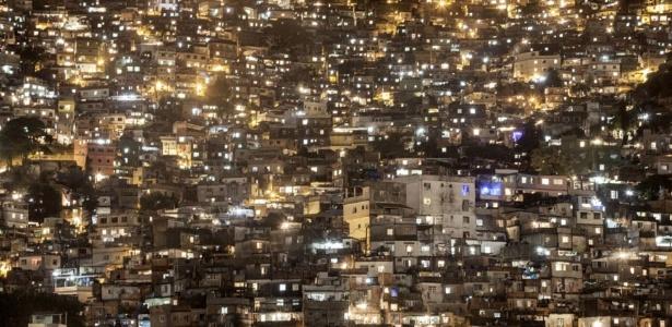 Rafael Fabrés fotografa favelas do Rio de Janeiro durante pacificação - Rafael Fabrés
