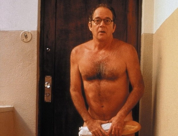 """1997 - O ator Cláudio Marzo em cena do filme """"O Homem Nu"""", de Hugo Carvana"""