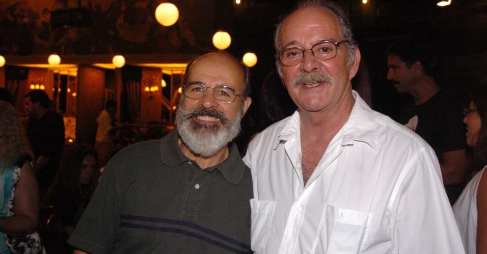 """2007 - Osmar Prado e Cláudio Marzo na coletiva da minissérie """"Amazônia De Galvez a Chico Mendes"""""""