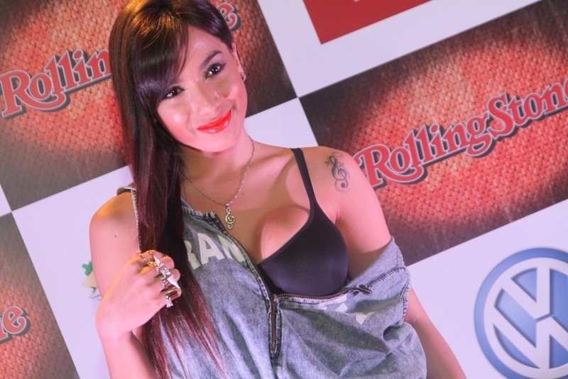 """18.set.2013 - Anitta na festa de comemoração dos 7 anos da revista Rolling Stone, com o tema """"Sete Pecados do Rock"""". O evento aconteceu na Marina da Glória, Rio de Janeiro"""