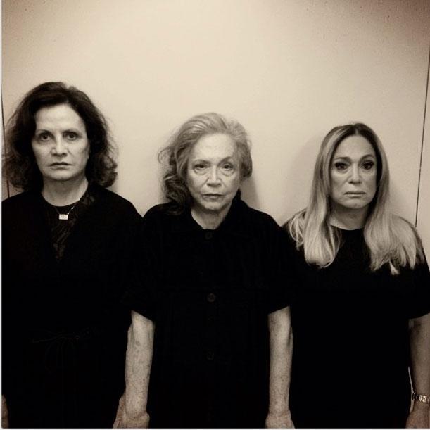 19.set.2013 - A atriz Bárbara Paz posta foto de Rosamaria Murtinho, Nathalia Timberg e Susana Vieira de luto pelo Brasil