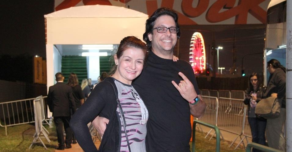 19.set.2013 - O humorista Lucio Mauro Filho vai ao festival Rock in Rio acompanhado da mulher, Cintia Oliveira