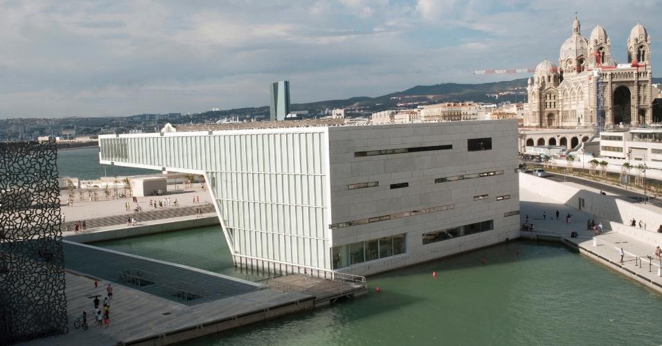 Nova atração de Marselha, na França, a Villa Méditerranée foi inaugurada em março e projetada por Stefano Boeri
