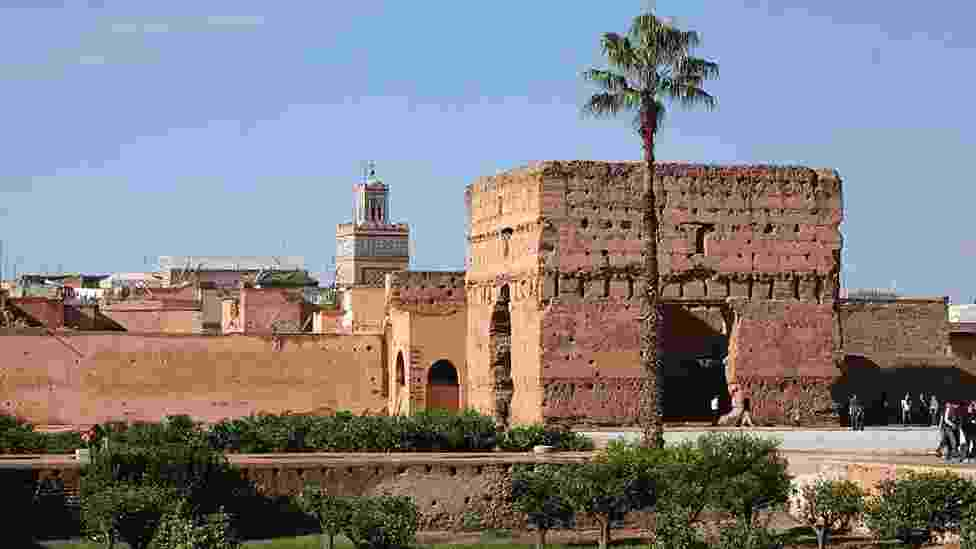 Para antecipar a inauguração do Museu de Fotografia e Arte Visual de Marrakech, a cidade sedia, no palácio El Badi (foto), a primeira exibição de fotos do acervo do museu, com imagens feitas no país, chamada 'Dez Fotógrafos Contemporâneos do Marrocos'. - BBC