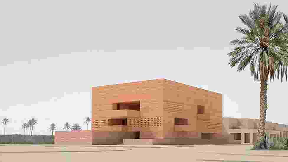 Uma série de exposições itinerantes no Marrocos preparam a inauguração de um grande museu dedicado à fotografia no país. O Museu de Fotografia e Arte Visual de Marrakech (foto), projetado pelo arquiteto britânico David Chipperfield, ainda está em fase de construção - BBC