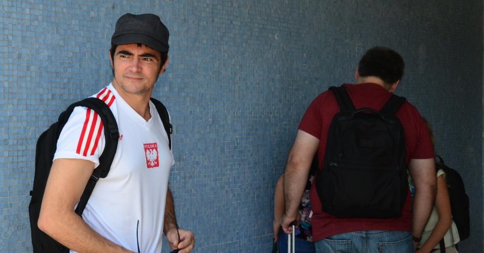20.set.2013 - Samuel Rosa, vocalista da banda Skank, desembarca no aeroporto Santos Dumont, no Rio