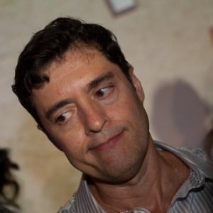O autor de novelas Tiago Santiago