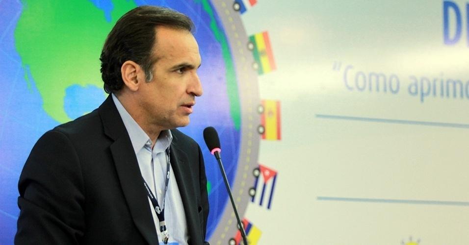 Deputado Hugo Leal