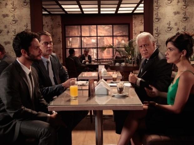 """Em """"Amor à Vida"""", Aline se irrita ao saber que César quer uma separação amigável com Pilar"""