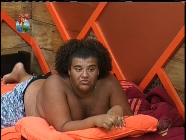 20.set.2013 - No quarto com Yani, Gominho disse que atitudes de Denise lembram Andressa Urach