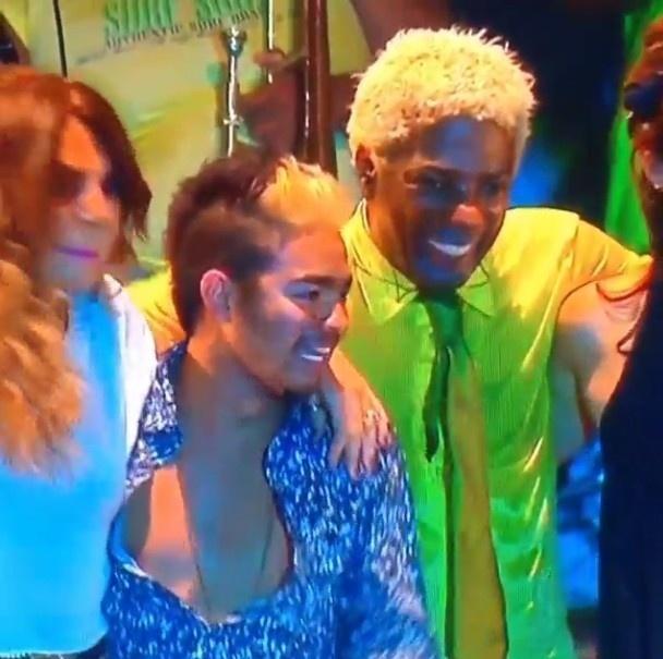 21.set.2013 - Yudi Tamashiro faz participação em show do Rock in Rio com Ivo Meirelles