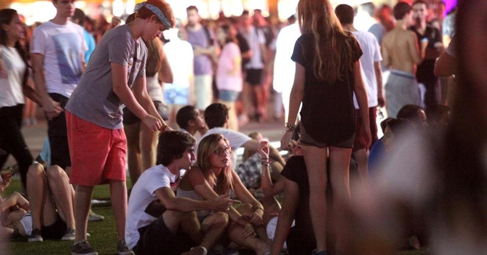 21.set.2013 - Mais uma vez, Sasha, filha de Xuxa, vai com amigos ao festival