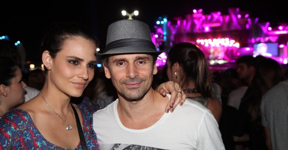 21.set.2013 - Murilo Rosa e Fernanda Tavares assistem os shows no camarote do Rock in Rio