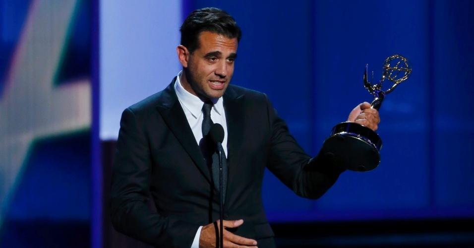 22.set.2013 - Bobby Cannavale (Boardwalk Empire) recebe o prêmio de Melhor ator coadjuvante em série de drama no Emmy 2013
