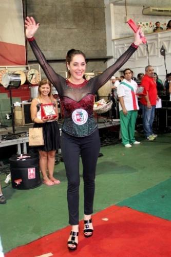 22.set.2013 - Christiane Torloni é homenageada na Grande Rio. A atriz é rainha de bateria da escola de samba no Carnaval 2014