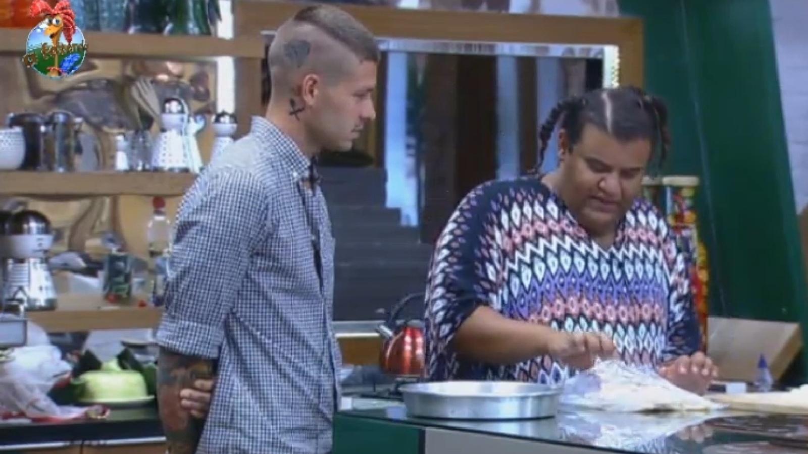 22.set.2013 - Gominho prepara cardápio diferenciado para Mateus Verdelho