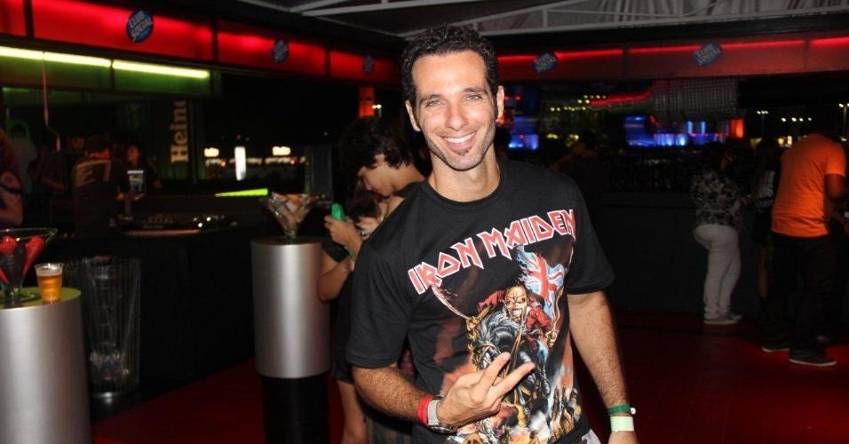 22.set.2013 - O ator Mouhamed Harfouch vai ao último dia de shows do Rock in Rio