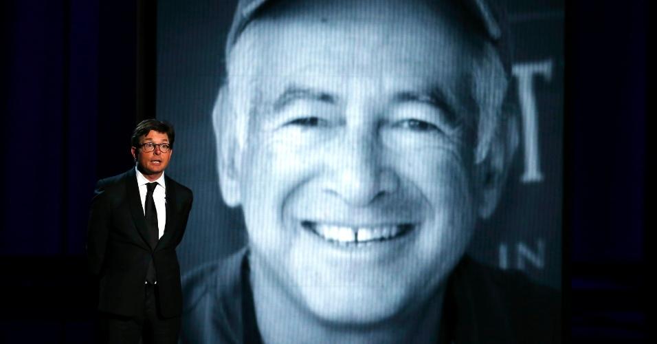 """22.set.2013 - Tributo ao criador da série """"Caras e Caretas"""" Gary David Goldberg, que morreu neste ano, apresentada por Michael J. Fox"""