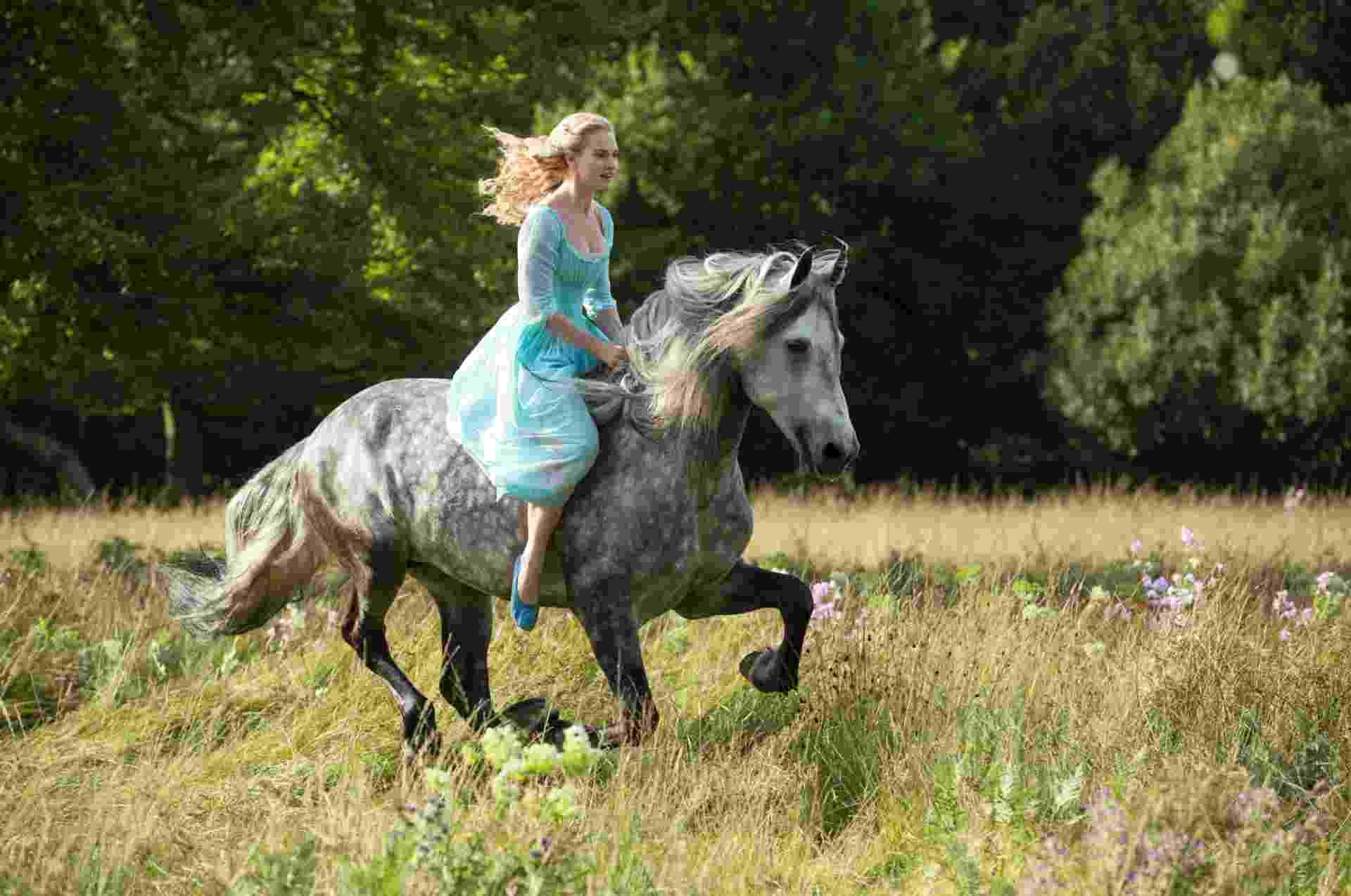 """Cena de """"Cinderella"""", de Kenneth Branagh, que tem previsão de estreia em março de 2015 - Divulgação/Walt Disney Pictures"""