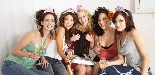 Chá de lingerie deve ser um evento intimista para as amigas mais chegadas ficarem à vontade