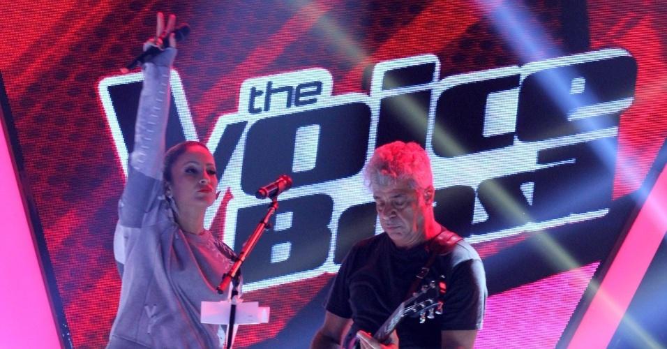 24.set.2013 - Lulu Santos e Claudia Leitte cantam durante a apresentação da segunda temporada do