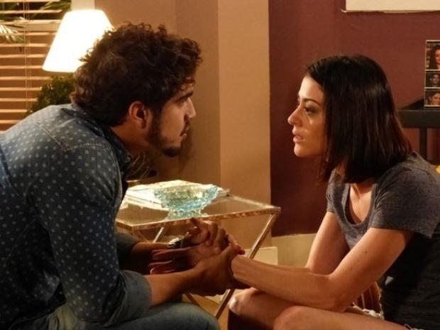 """Em """"Amor à Vida"""", Silvia revela a Michel que irá retirar a mama"""