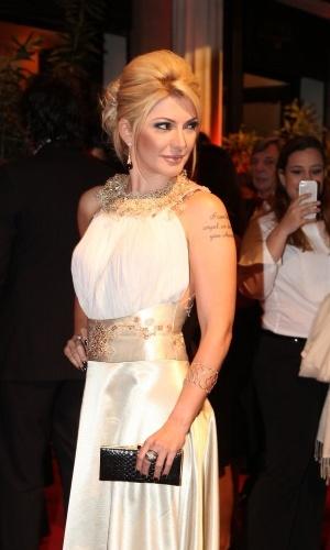 26.set.2013 - A atriz Antonia Fontenelle prestigiou a noite de abertura do Festival do Rio 2013, que aconteceu no Cine Odeon, no Rio. A sessão de gala contou com exibição do longa