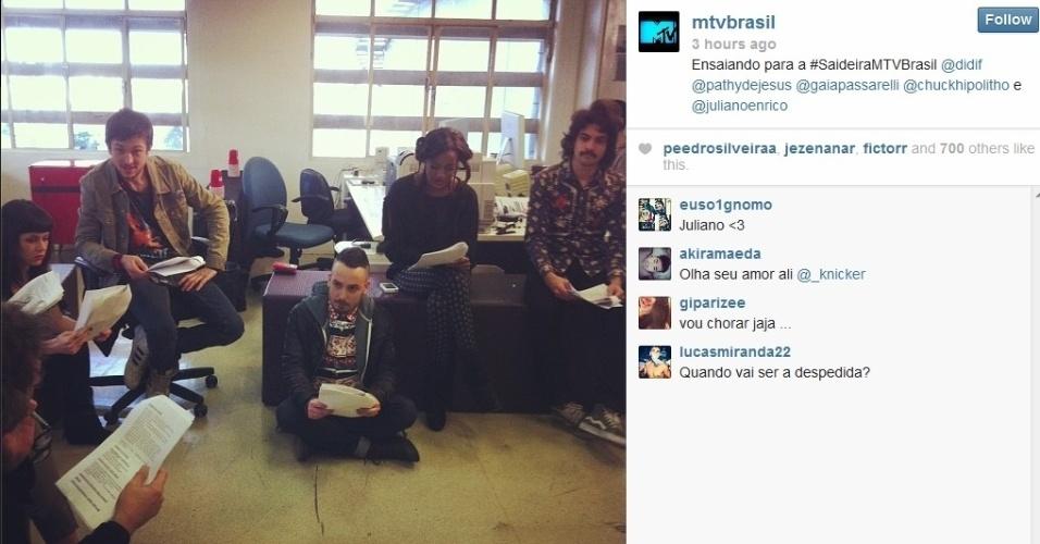 """26.set.2013 - VJs ensaiam para a """"Saidera MTV"""""""