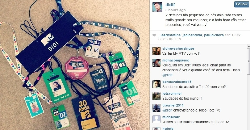 26.set.2013- Didi Effe exibe crachás na despedida da MTV