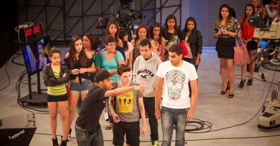 """set.2013 - set. 2013 - Depois de 4 horas de espera, a plateia do programa """"Os Legendários"""" começa a entrar nos estúdios da Record para acompanhar a atração comandada por Marcos Mion"""