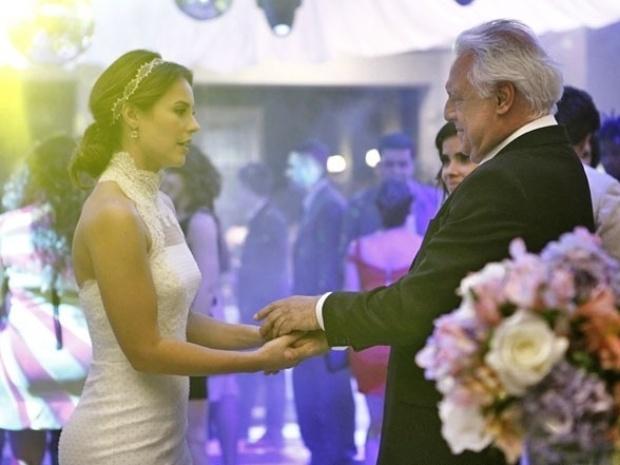 """Em """"Amor à Vida"""", Paloma surpreende e aceita filho de Aline com César"""