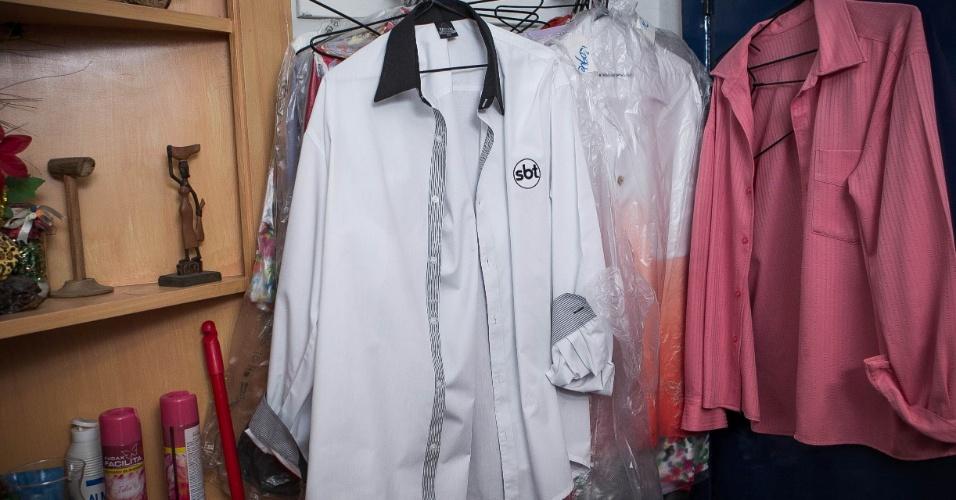 24.set.2013 - Detalhes para as camisas usadas pelo diretor de auditório, Roque Gonçalo
