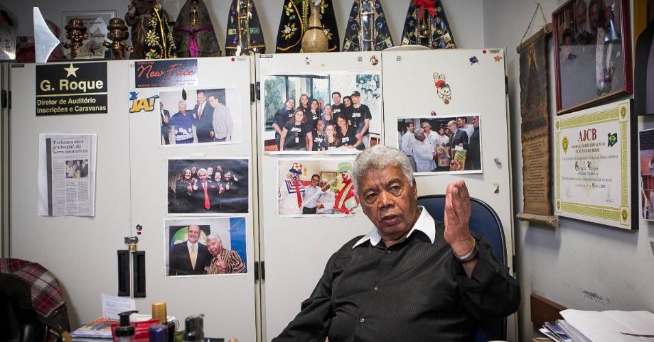 24.set.2013 -  Devoto de Nossa Senhora Aparecida, Roque diz que a maioria das imagens foi presente das de Silvio Santos