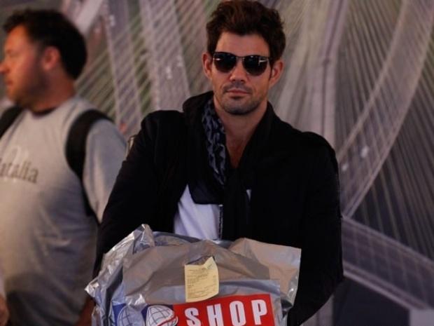 """Em """"Amor à Vida"""", Ninho volta rico de Nova York e disposto a pedir a guarda de Paulinha"""