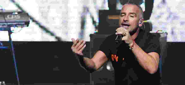 """27.set.2013 - Eros Ramazzotti apresenta show da turnê """"Noi"""" no Credicard Hall, em São Paulo - Manuela Scarpa/Foto Rio News"""