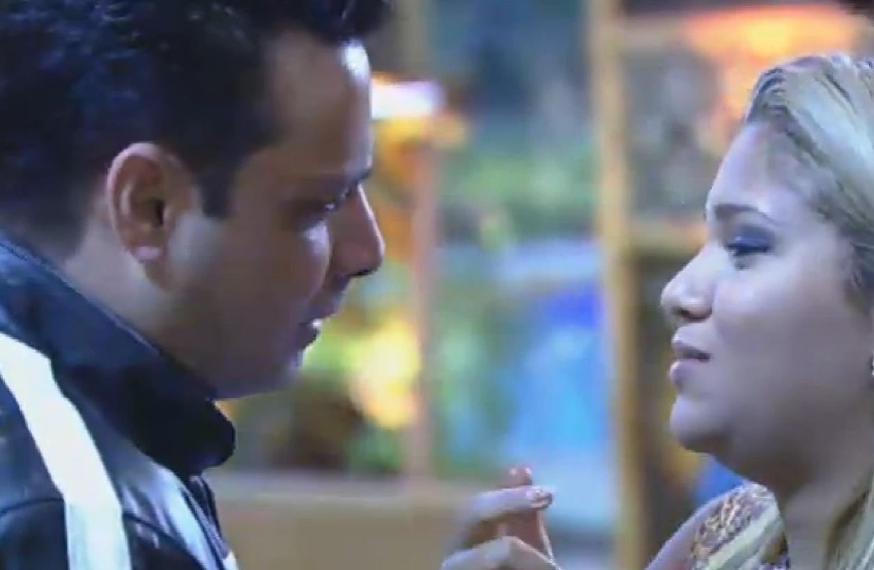 27.set.2013 - Márcio pediu desculpas a Yani por ter falado mal da funkeira