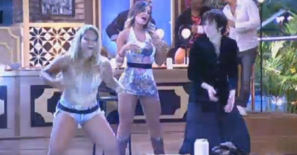27.set.2013 - Peões já eliminados se juntaram aos finalistas em grande festa
