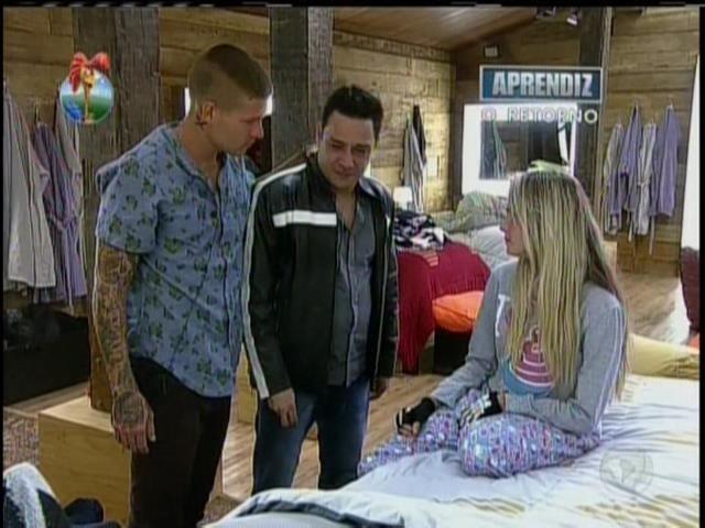 28.set.2013 - Márcio debochou de Andressa e disse que esta seria a última aparição dela na mídia