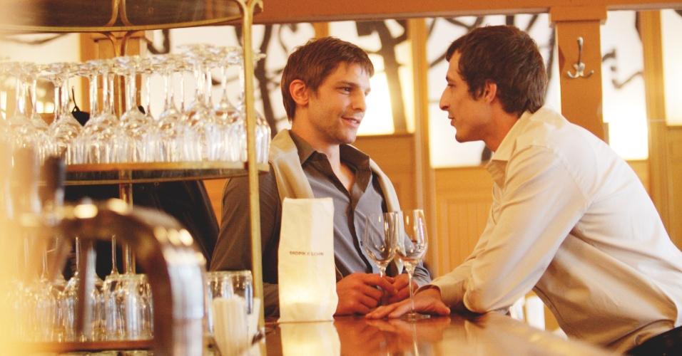 As opções gays de Viena, capital da Áustria, incluem um antigo palácio do século 18 administrado por um príncipe gay; cafés clássicos frequentados pelo público gay; e praias de naturismo masculino às margens do rio Danúbio