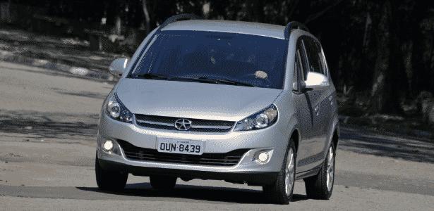 JAC J6 bateu Citroën C4 Picasso no segmento de monovolumes médios   - Murilo Góes/UOL