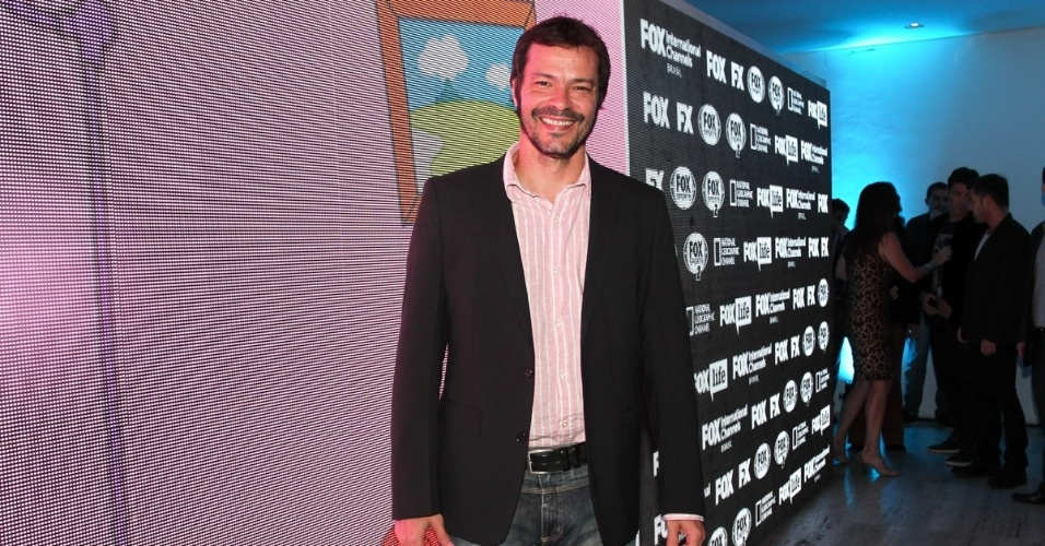 1.out.2013 - Heitor Martinez na festa de comemoração dos 20 anos do canal Fox no Brasil. O evento aconteceu em uma casa noturna de São Paulo