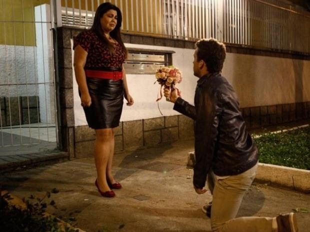 """Em """"Amor à Vida"""", Daniel pede Perséfone em casamento"""