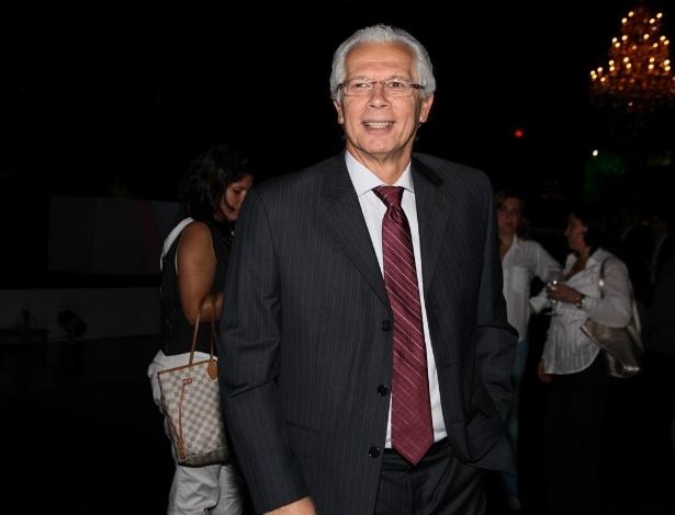 1.out.2013 - O técnico Leão na festa de comemoração dos 20 anos do canal Fox no Brasil. O evento aconteceu em uma casa noturna de São Paulo