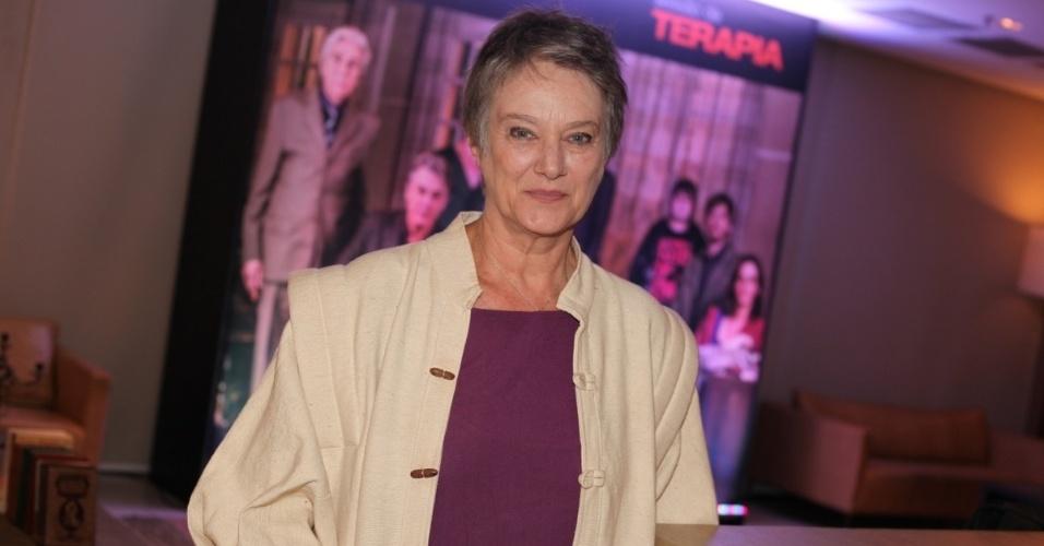 """2.out.2013 - A atriz Selma Egrei, de """"Sessão de Terapia"""", comparece a evento de apresentação da segunda temporada da série, em São Paulo"""
