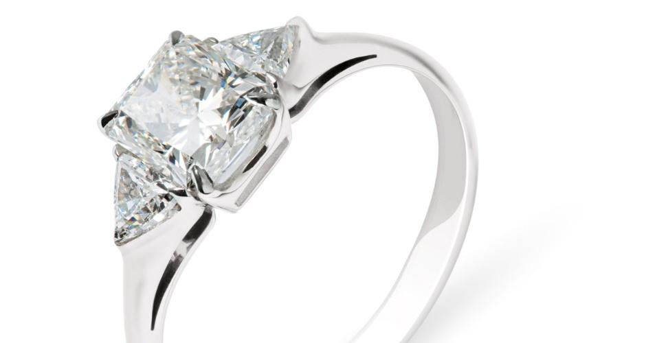 Anel Stern Princess; da H.Stern (www.hstern.com.br), por R$ 16.800. Preço e disponibilidade pesquisados em novembro de 2013 e sujeitos a alteração