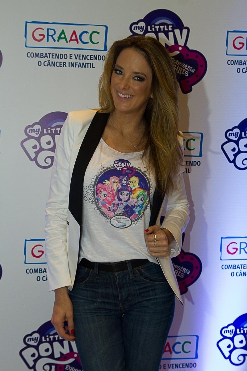 3.out.2013 - A apresentadora Ticiane Pinheiro participou do lançamento do filme