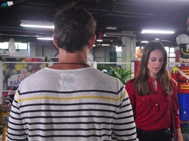 """Em """"Amor à Vida"""", Ninho pede beijo à Paloma"""