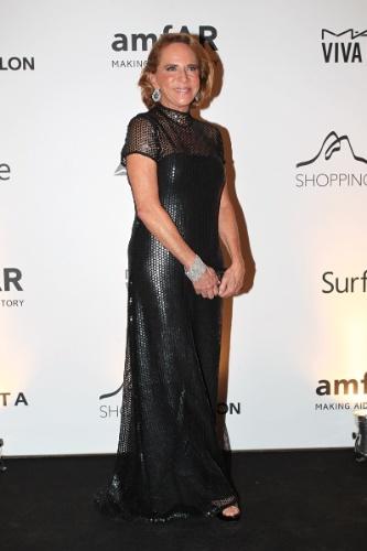 4.out.2013 - A estilista Lenny Niemeyer prestigiou na noite desta sexta o baile de gala organizado pela amfAR no hotel Copacabana Palace, no Rio. A ONG destina recursos à pesquisa da cura e tratamento da Aids