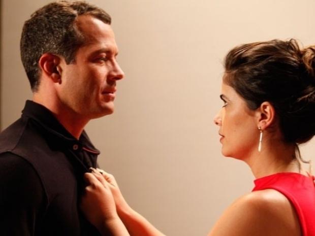 """Em """"Amor à Vida"""", Aline dá em cima de Bruno"""